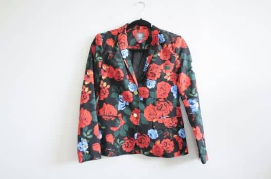 Blazer con print de flores