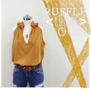 Blusa con detalle en el cuello