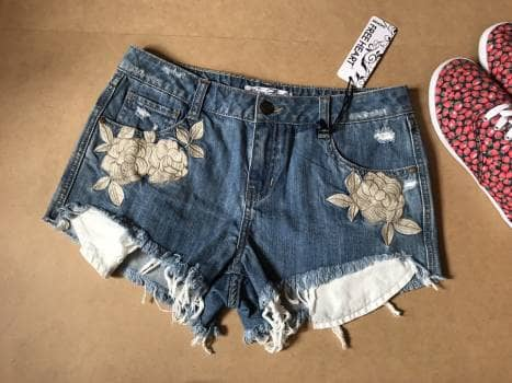 Shorts bordado