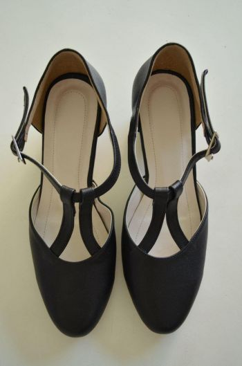 Zapatos T negro talla 4 Mex