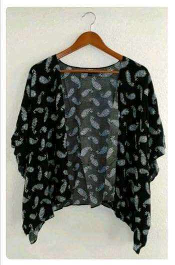 Kimono negro con gris
