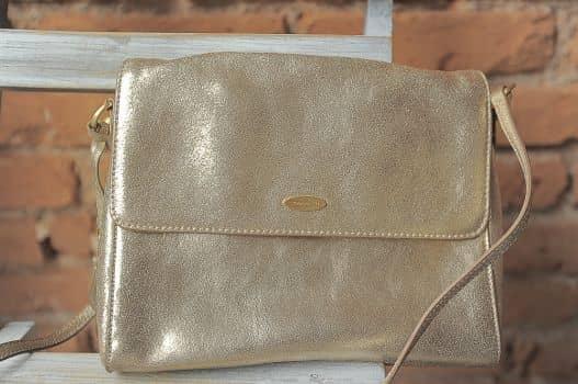 Bolsa cruzada dorada
