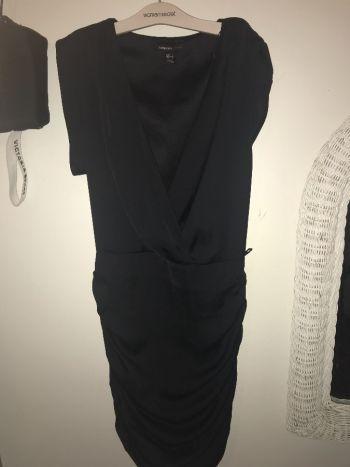 Vestido satin negro mango