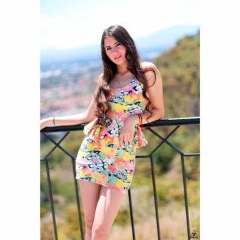 Vestido floral neón