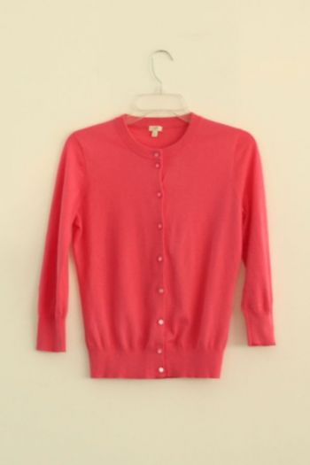Suéter rosa con botones
