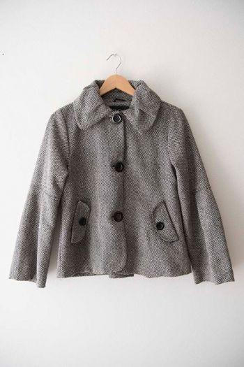 Abrigo corto con cuello