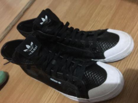 COMO NUEVOS!! Adidas tenis bota