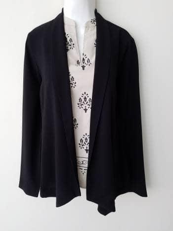 APARTADO - Blazer ligero color negro sin forro