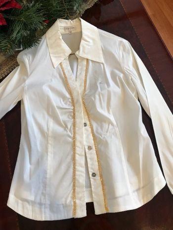 Hermosa blusa blanca con detalles