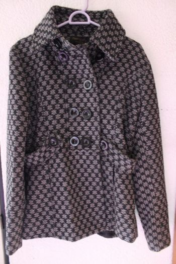 Abrigo grueso gris