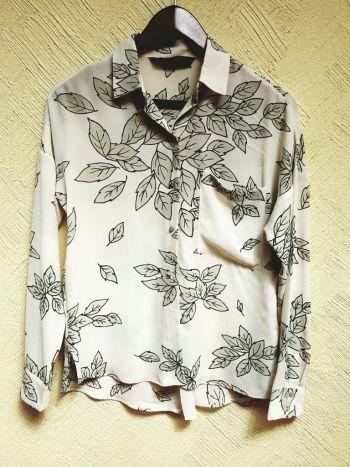 Blusa de hojas beige