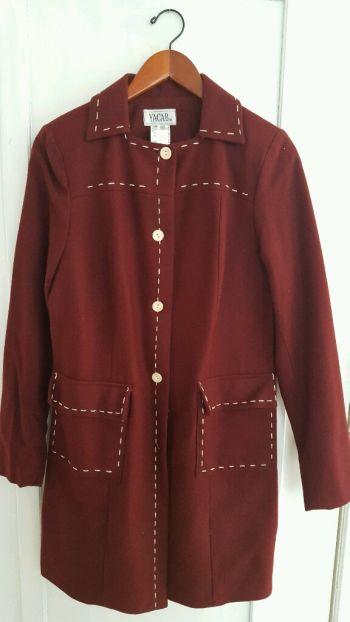 Abrigo rojo vino t11