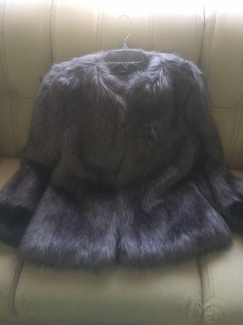 Abrigo Vera wang faux fur
