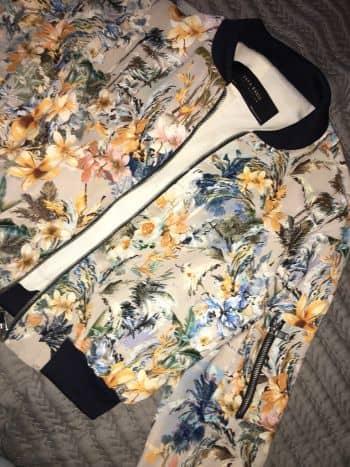 Bomber Jacket estampada de flores Zara