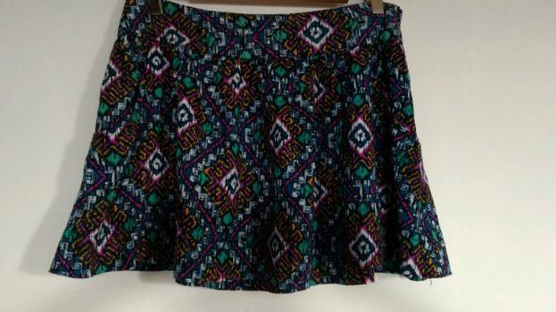 Falda con diseño tribal