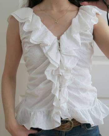 Blusa blanca con olanes