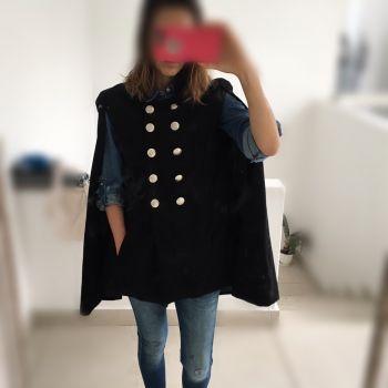 Abrigo estilo capa