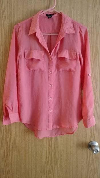Camisa fresca color coral