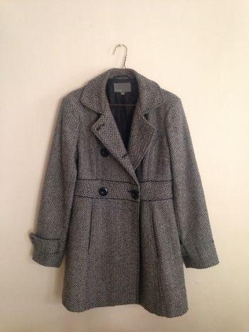 Abrigo lana con patron tejido