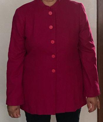 Abrigo corto color fucsia