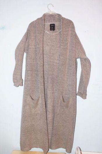 Abrigo gris y negro bershka