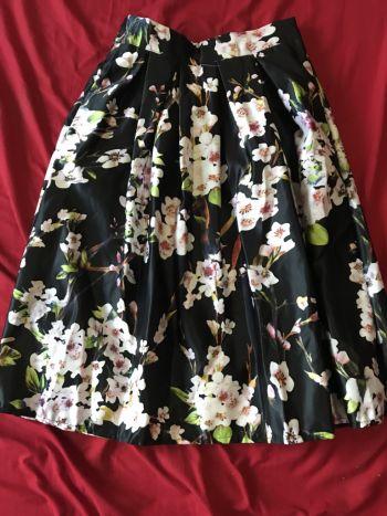 Falda midi floreada