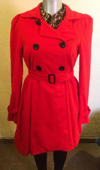 Abrigo rojo talla grande