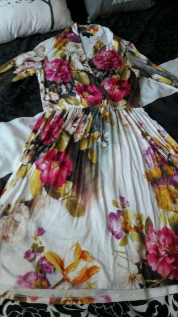 Vestido floral de algodón