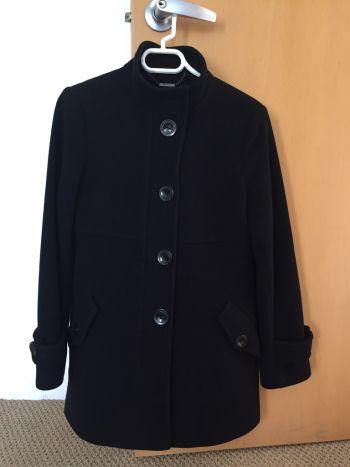Abrigo DKNY negro, como nuevo!!