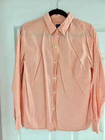 Camisa de cuadros naranja, marca Gap