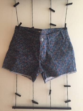 Short con estampado floral