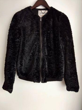 Abrigo/Chamarra de faux fur.