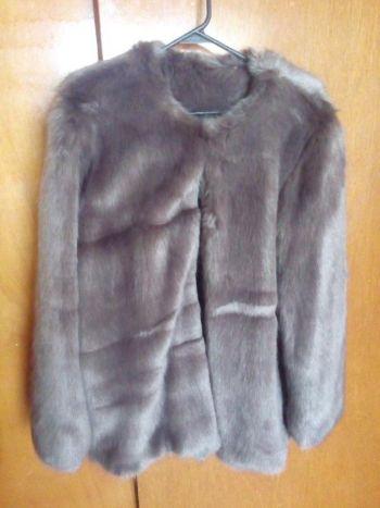 Abrigo de pelo color gris