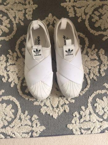 Adidas slip on blancos