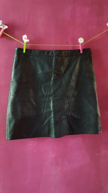 Falda Negra piel sintética