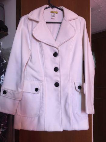 Abrigo de invierno blanco