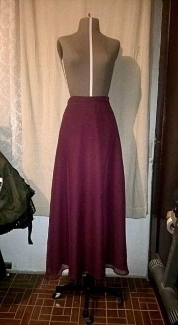 2x1 Falda larga vino