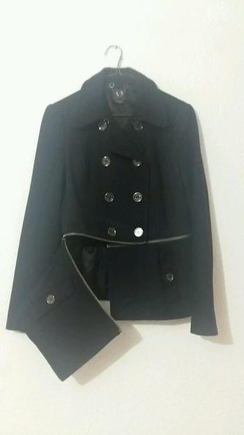 Abrigo negro Armani