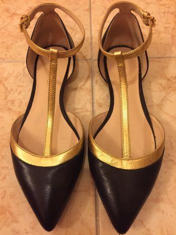Flats negro con dorado