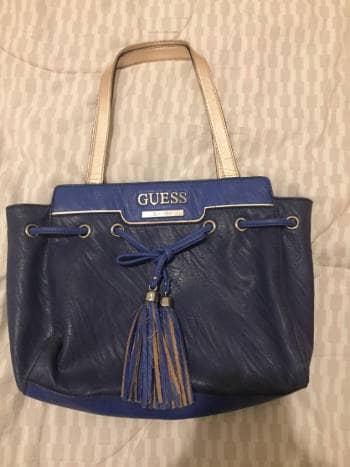 cc4a8258 Bolsa azul marca GUESS - GoTrendier - 635097