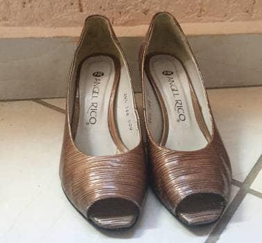Zapatillas de tacón bajo