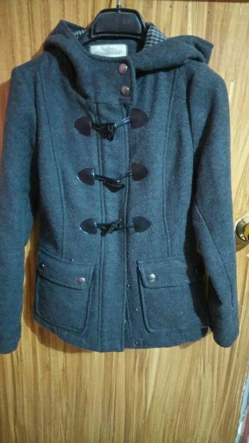 Abrigo de lana gris con gorro