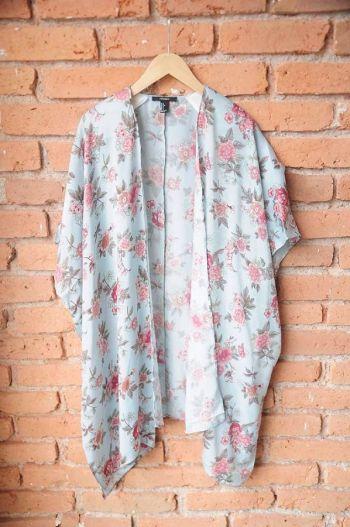 Kimono con hombreras