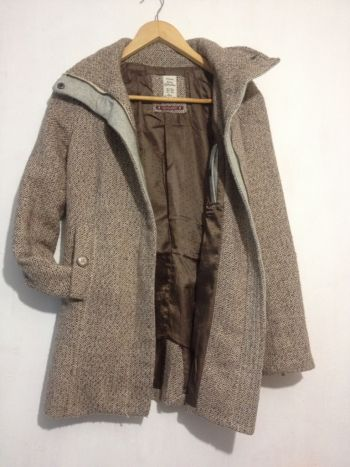 Abrigo semi-nuevo Bershka