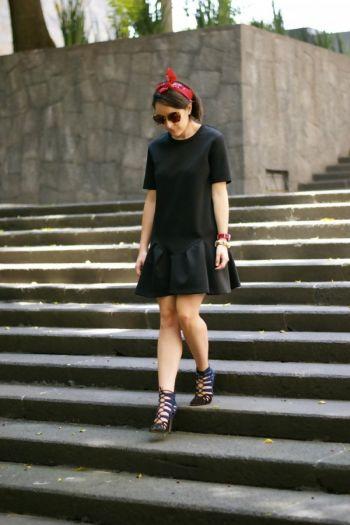 Vestido negro tipo neopreno