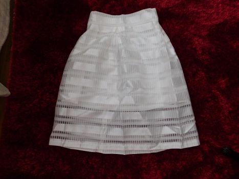 Falda Blanca con detalles