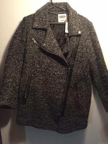 Abrigo con zippers