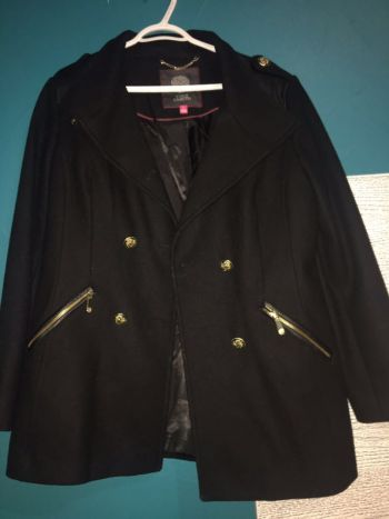 Abrigo negro VINCE CAMUTO