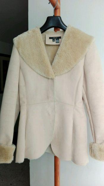 Abrigo marca Zara