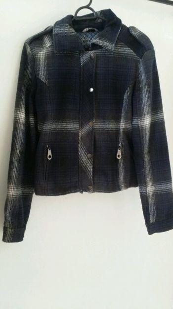 Abrigo azul con negro calientito